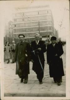 [Spacer po Warszawie 1952]