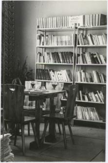 [Gromadzka Biblioteka Publiczna w Lutrach. 1]
