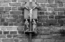 [Drewniane mobilne kapliczki procesyjne w Barczewie. 2]