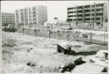[Na budowie osiedla Mazurskiego w Mrągowie 1989. 1]