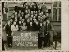 [Zdjęcie zbiorowe uczestników kursu w Olsztynie 1948]