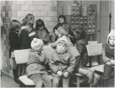 [Najmłodsi czytelnicy w bibliotece w Nowej Różance. 2]