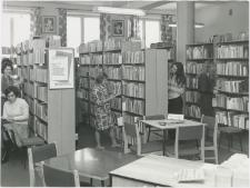 [Wypożyczalnia dla dorosłych Powiatowej i Miejskiej Biblioteki Publicznej w Mrągowie. 3]