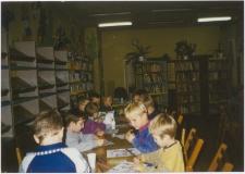 [Zajęcia z dziećmi w Miejskiej Bibliotece Publicznej w Szczytnie. 2]