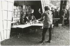 [Zbiórka książek dla bibliotek zorganizowana w ramach Telewizyjnego Turnieju Miast Ostróda-Nysa. 2]