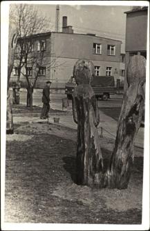 [Rzeźba z drewna. 3]