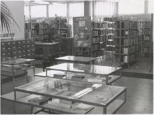 [Czytelnia i wypożyczalnia Wojewódzkiej Biblioteki Publicznej w Olsztynie przy ul. Głowackiego – filia nr 11]