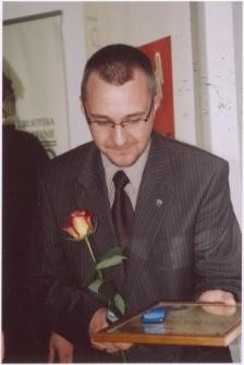 """[Szymon Drej laureat Literackiej Nagrody Warmii i Mazur """"Wawrzyn"""" (2007). 3]"""