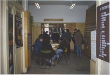 [Wypożyczalnia naukowa Wojewódzkiej Biblioteki Publicznej w Olsztynie w Starym Ratuszu. 1]