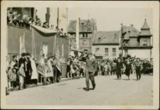 Harcerze w pochodzie pierwszomajowym 1959. [1]