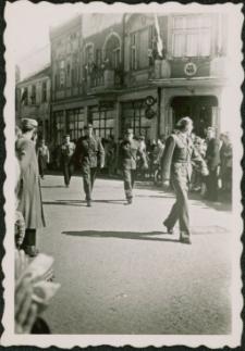 Harcerze w pochodzie pierwszomajowym 1959. [5]