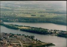 Widok na Półwysep Czterech Wiatrów i WOSzK Mrągowo. [3]