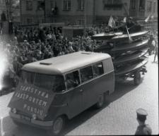 Pochód pierwszomajowy w Mrągowie 1967. [6]