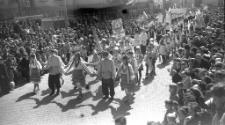 Pochód pierwszomajowy w Mrągowie 1967. [11]