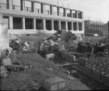 Budowa szkoły Tysiąclecia w Mrągowie 1964. [2]