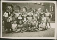 [Uczniowie szkoły podstawowej Nr 1 w Mrągowie 1951]