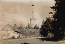 [Wieża Bismarcka i nieistniejący dom w Parku Sikorskiego w Mrągowie]