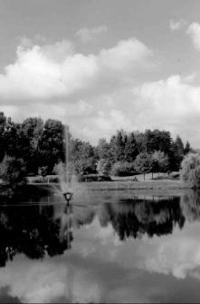 [Park w Jakubowie w Olsztynie. 2]