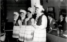 Dzieci olsztyńskich drukarzy na akademii 1-majowej