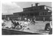 [Olsztyńska plaża miejska nad jeziorem Ukiel. 4]