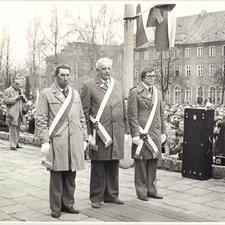 [Poświęcenie sztandaru Solidarności Rominckiego Kombinatu Rolnego na placu Zwycięstwa w Gołdapi. 26.04.1981 r. 17]