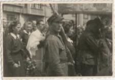 [Wojsko w procesji Bożego Ciała w Olsztynie w 1946 r. 2]