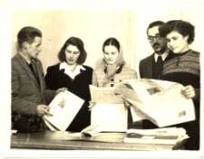 [Bibliotekrze Powiatowej Biblioteki Publicznej w Mrągowie. 1]