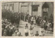 [Wojsko w procesji Bożego Ciała w Olsztynie w 1946 r. 7]