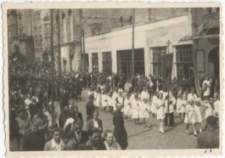 [Wojsko w procesji Bożego Ciała w Olsztynie w 1946 r. 9]