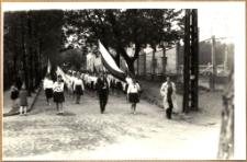 Pochód pierwszomajowy w Mrągowie 1961. [1]