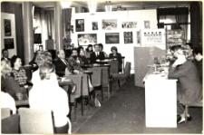 """[Sesja popularnonaukowa """"Mrągowskie biblioteki publiczne w XXX-leciu PRL"""" 1974. 1]"""