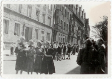 [Dzieci ze Szkoły Podstawowej nr 2 w Olsztynie podczas imprezy miejskiej. 2]