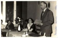 [Spotkanie autorskie z Januszem Meissnerem w Powiatowej i Miejskiej Bibliotece Publicznej w Mrągowie 1964. 1]