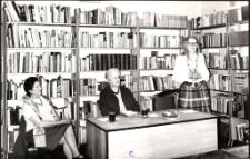 [Spotkanie autorskie z Haliną Pawlikowską w Miejskiej Bibliotece Publicznej w Mrągowie]