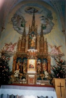 [Ołtarz główny w kościele pw. św. Józefa w Kobułtach. 2]
