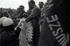 [Aktyw partyjny PZPR na trybunie honorowej pochodu 1 Maja 1968 w Działdowie. 2]