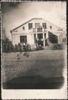 [Dom w Dłutowie wiosną 1942]