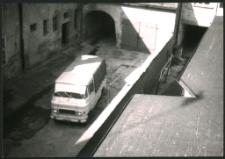 [Widok na podwórze stacji sanepid przed przebudową 1]