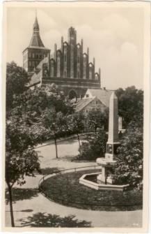 Allenstein, O.= Pr. Belianplatz und Schulze=Delitzsch=Denkmal