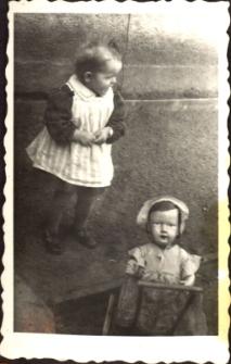 [Dziecko i lalka. 1]