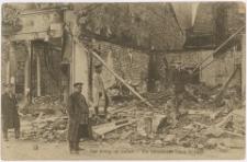 Der Krieg im Osten - Ein zerstörtes Haus in Lyck