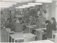 [Czytelnia Powiatowej i Miejskiej Biblioteki Publicznej w Giżycku. 1]