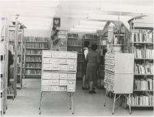 [Wypożyczalnia dla dorosłych Powiatowej i Miejskiej Biblioteki Publicznej w Giżycku. 2]