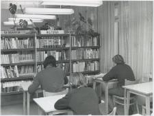 [Czytelnia Powiatowej i Miejskiej Biblioteki Publicznej w Giżycku. 2]