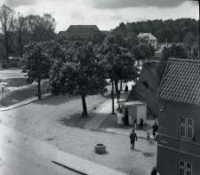 Róg ulicy Warszawskiej i Małej Warszawskiej w Mrągowie. [1]