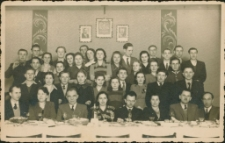 [Nauczyciele i uczniowie Liceum Pedagogicznego w Mrągowie. 2]